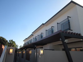 3 Bed 2 Bath Townhouse, Neve